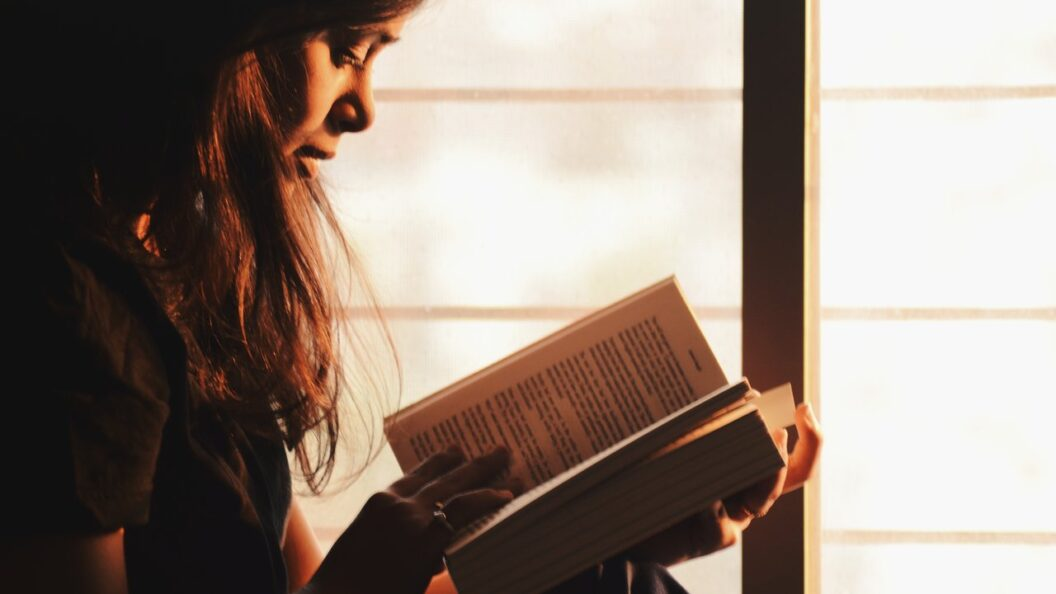 The Top Books Any Virtual Assistant Should Read